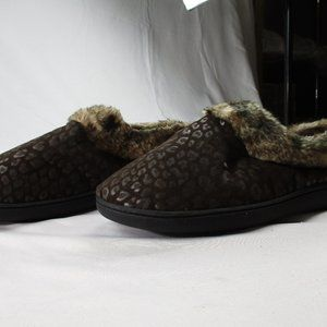 Isotoner Women's Sz 9.5-10 Faux Fur Slippers #0579